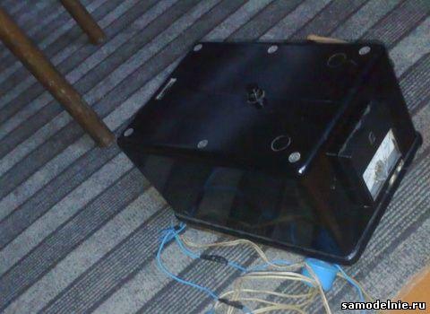 Корпус для зарядного устройства применен заводской.
